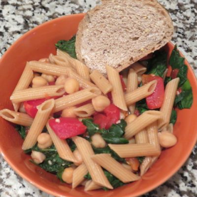 Penne Pasta with Spinach and Chick Peas